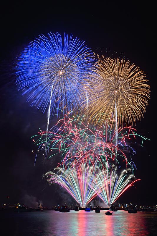 2015年8月 神奈川県 神奈川新聞花火大会