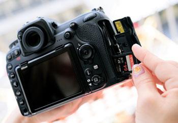 ダブルスロットのカメラでは必ずUHS-Ⅱカードを入れています。